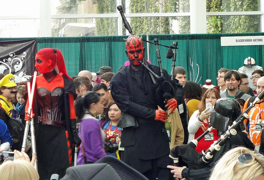 Darth Maul on the bagpipes